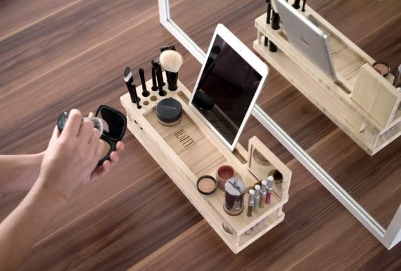 https://www.etsy.com/listing/169457375/beauty-station-makeup-organizer-and?ref=favs_view_2