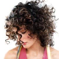 cabelos-cacheados-medios