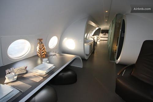 Jet-plane-hotel-Ilyushin-18-Hotel-Honecker-Ben-Thijssen-04