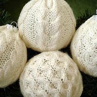 knits aran christmas ornaments knitting pattern happy knitting