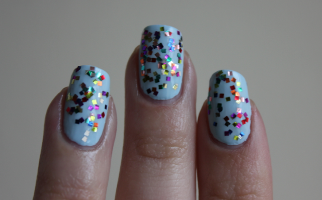 Cirque Le Invader nail polish review swatches Essie Borrowed and Blue