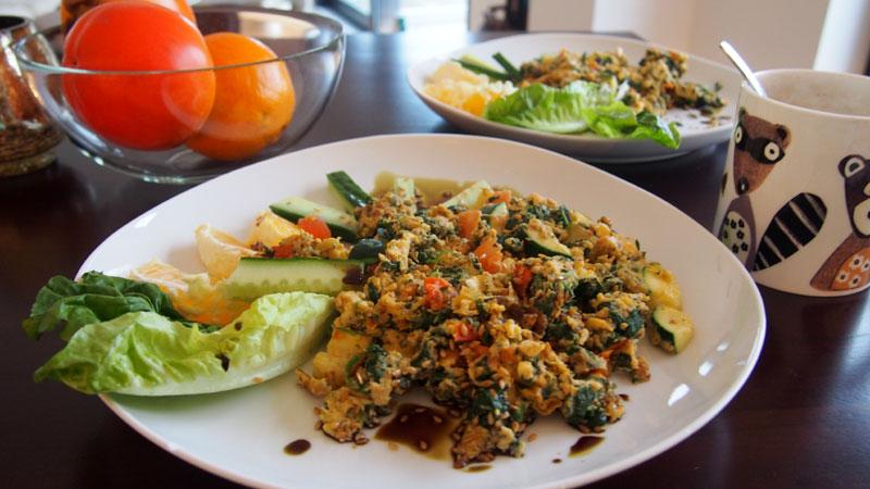 Terveellinen aamiainen: pinaattimunakas