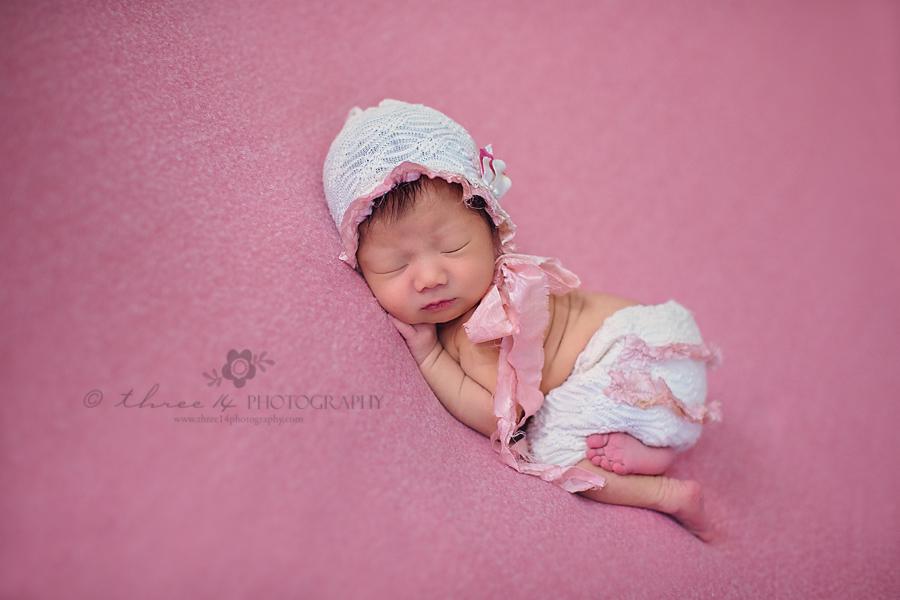Gorgeous Newborn Natural Pose