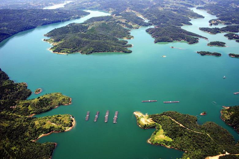 Drieklovendam aan Yangtze rivier in China  YouTube