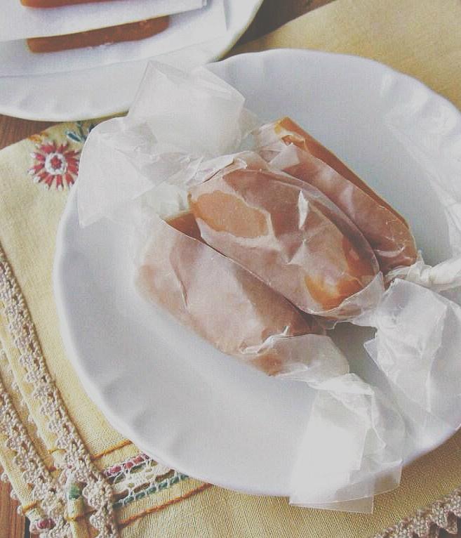 vanilla honey caramels | une gamine dans la cuisine