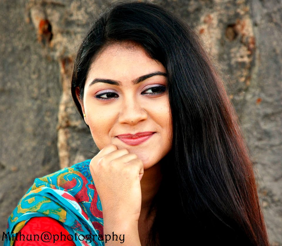 Photohouse mahmuda amin shaina for Shaina model