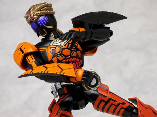 S.H.Figuarts Kamen Rider Burakawani Combo