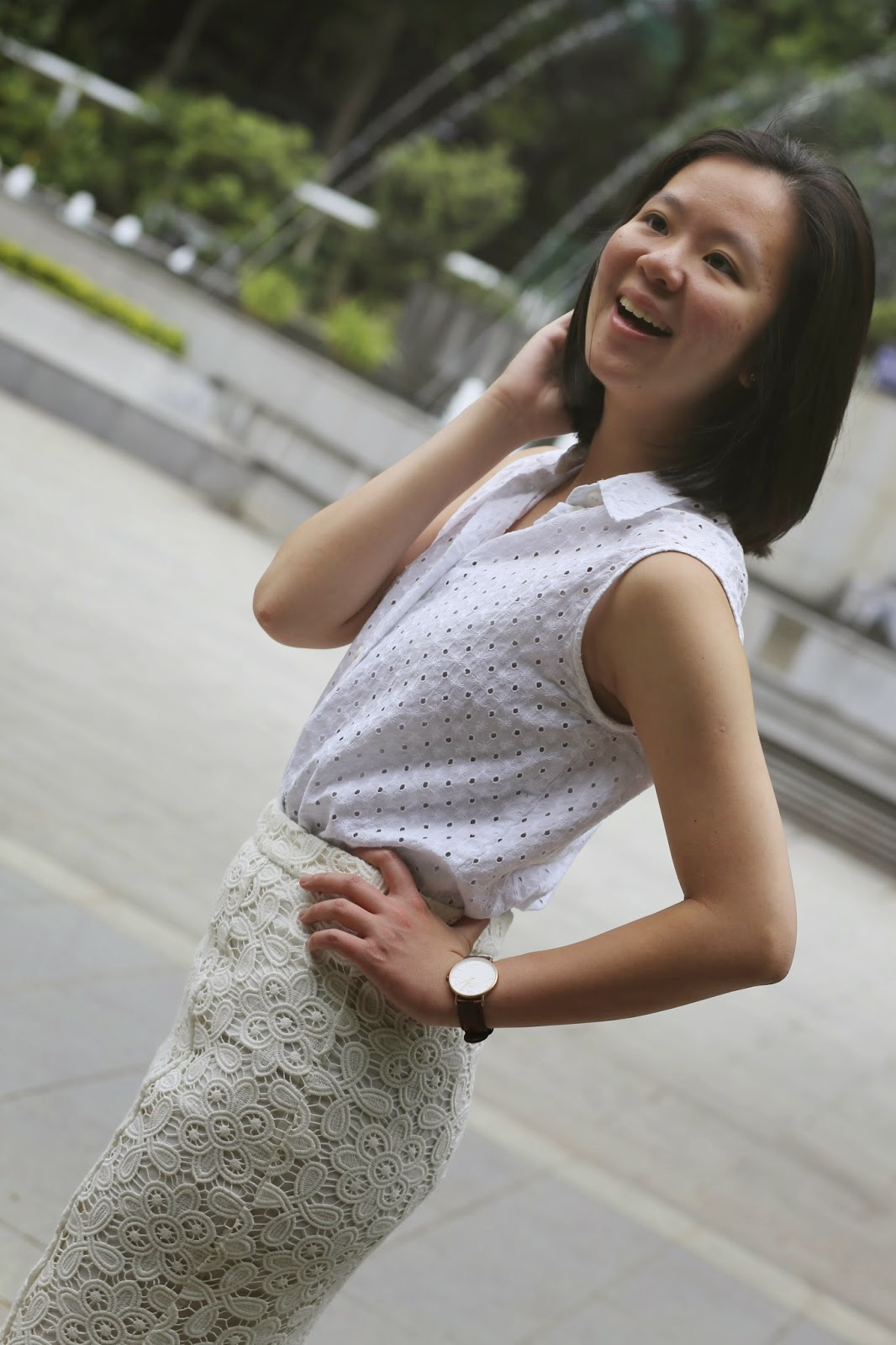 corporate fashion blog, what to wear to work, business casual, finance fashion blog, that working life, white lace pencil skirt, white eyelet top