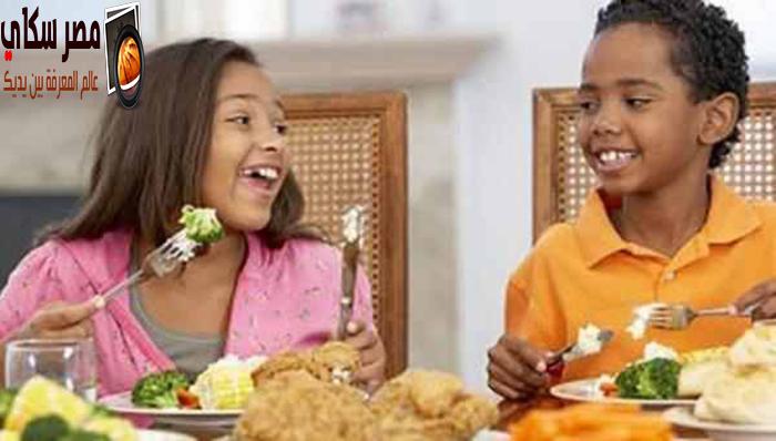 تعرف على قائمة الأخطاء البسيطة على مائدة الطعام