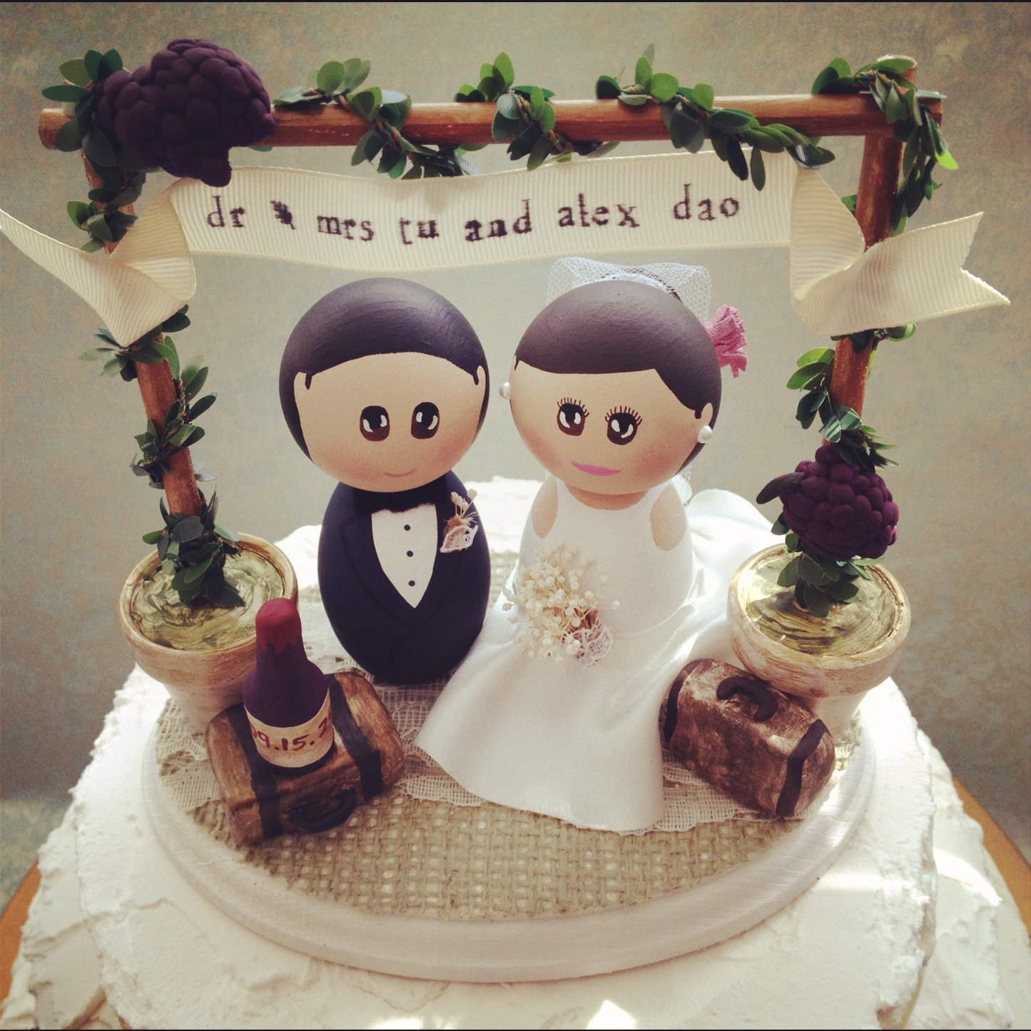 Dsmeebee Winery Wedding Theme Cake Topper Base With Bride And Groom