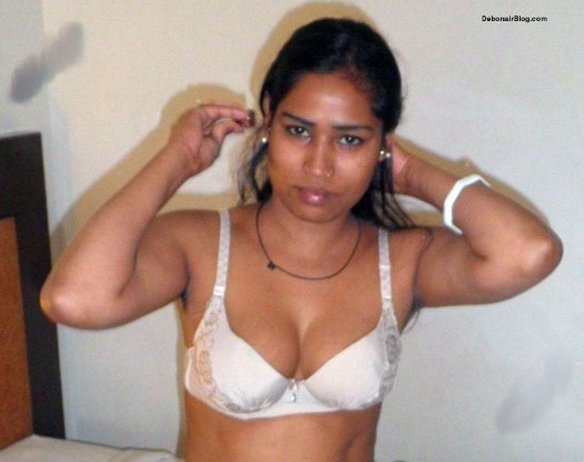 Desi Girl Fucking Client in Hotel Room Pics