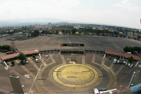 Estadios del mundo for Puerta 1 estadio azteca
