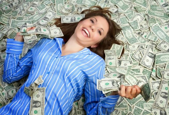 mulher dinheiro interesseira