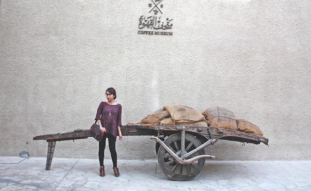 taking an ootd at Bastakiya in Old Dubai