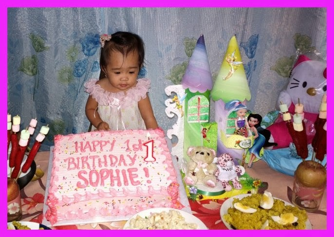 Inday Sophie blowing the candle of her cake