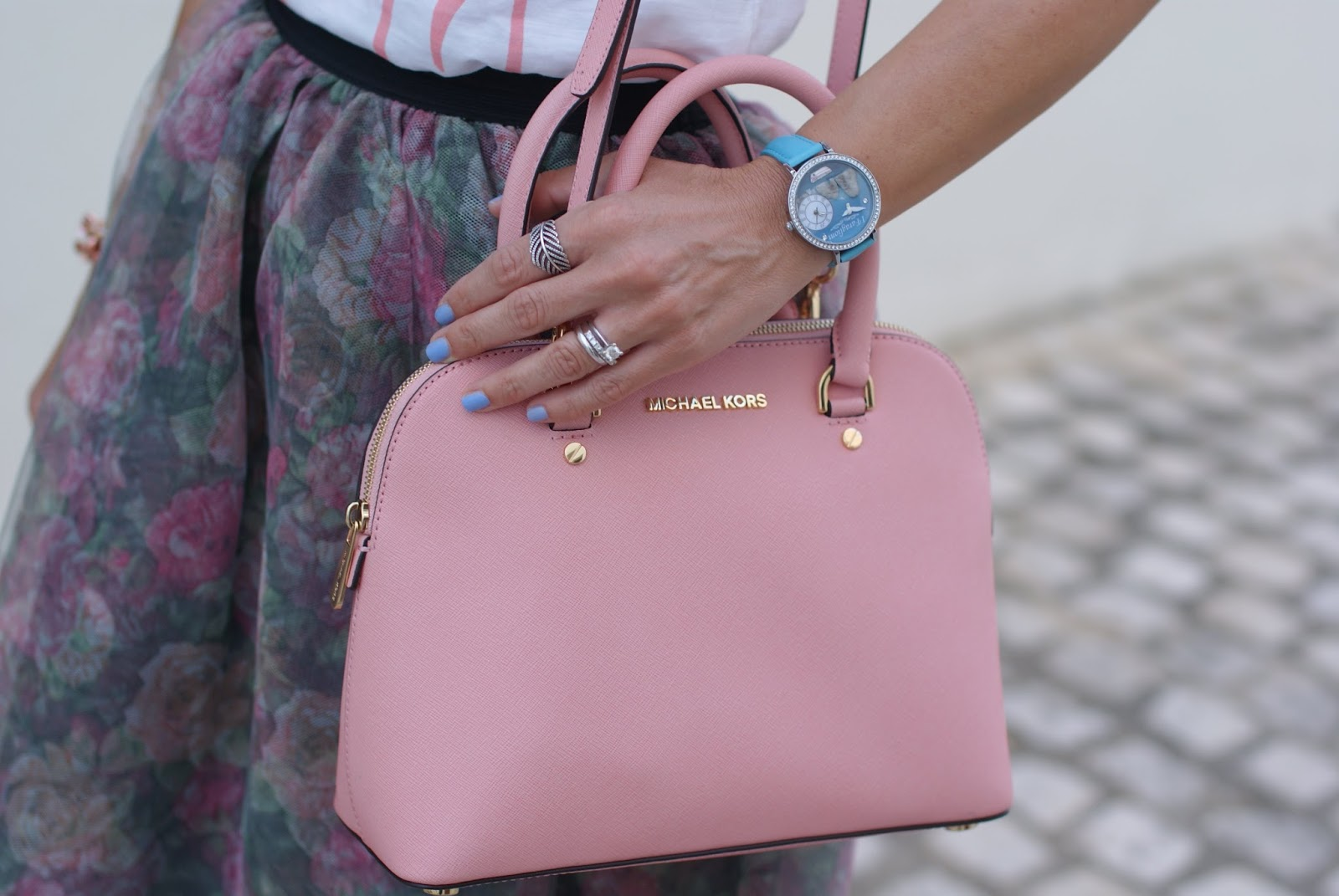Capri watch from Luca Barra and Michael Kors pink Cindy bag on Fashion and Cookies fashion blog