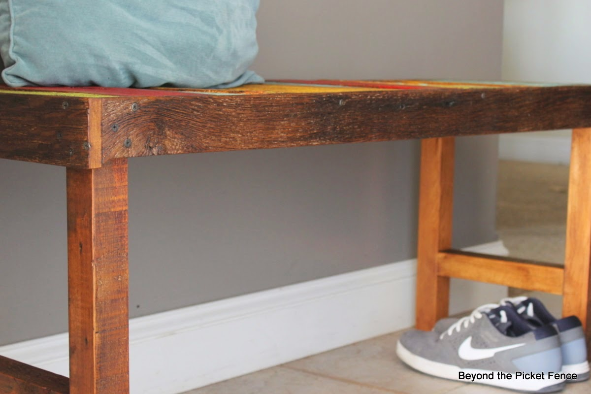 Reclaimed Wood Bench http://bec4-beyondthepicketfence.blogspot.com/2014/12/these-are-few-of-my-favorite-things_27.html