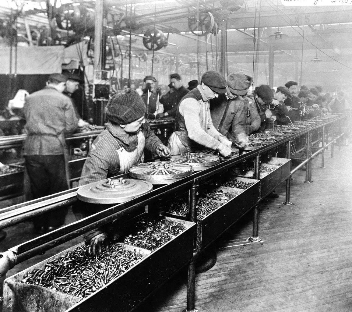Il blog della santa caterina la fabbrica ieri e oggi - Top cuisine direct usine ...