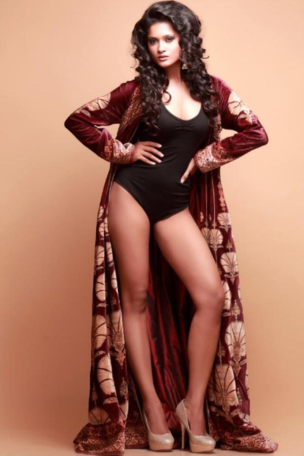 hot sexy Shreya stunningly hot photo shoot