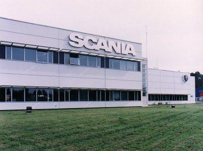 Denuncian despidos en Saab Scania