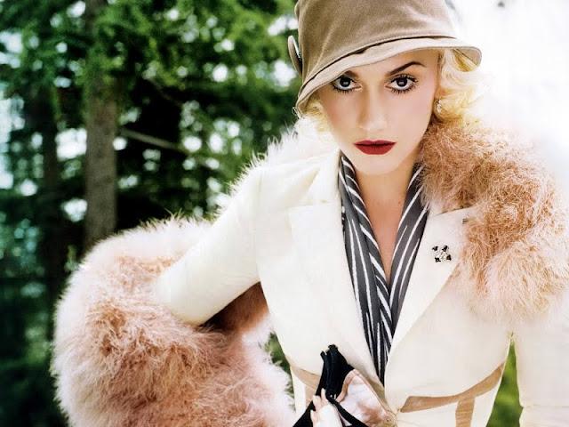 Gwen Stefani Biography and  Photos 2011