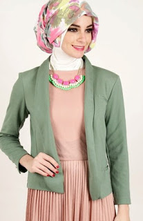 Model Baju Atasan Muslim Sesuai Situasi