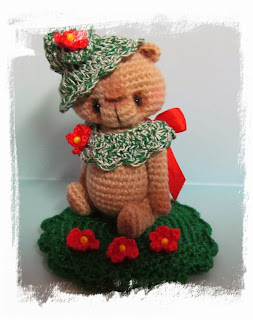 http://www.ebay.com/itm/Holly-OOAK-Miniature-Vintage-Prim-Style-Crocheted-Thread-Artist-Bear-/141135836836?