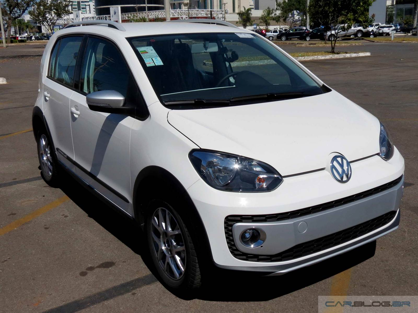 Volkswagen Cross Up! TSI Turbo