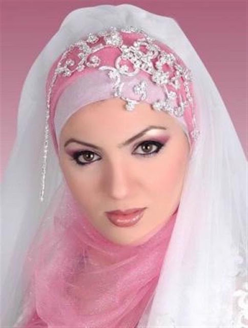 Fashionable Wedding Hijab