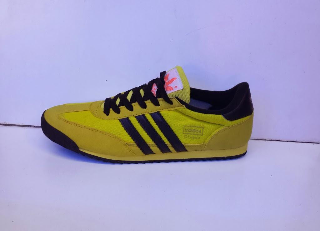 sepatu Adidas Dragon warna kuning lis hitam