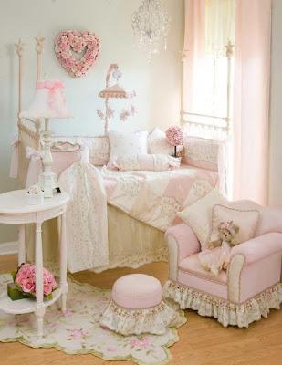 cuarto rosa jovencita