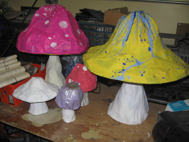 Dizzily dreaming how to papier m ch or paper mache for Paper mache handicraft