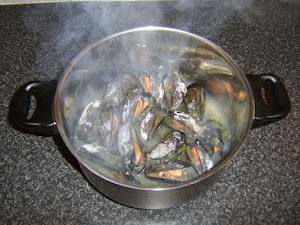 Tips for Collecting, Cleaning and Cooking Fresh Mussels Safely