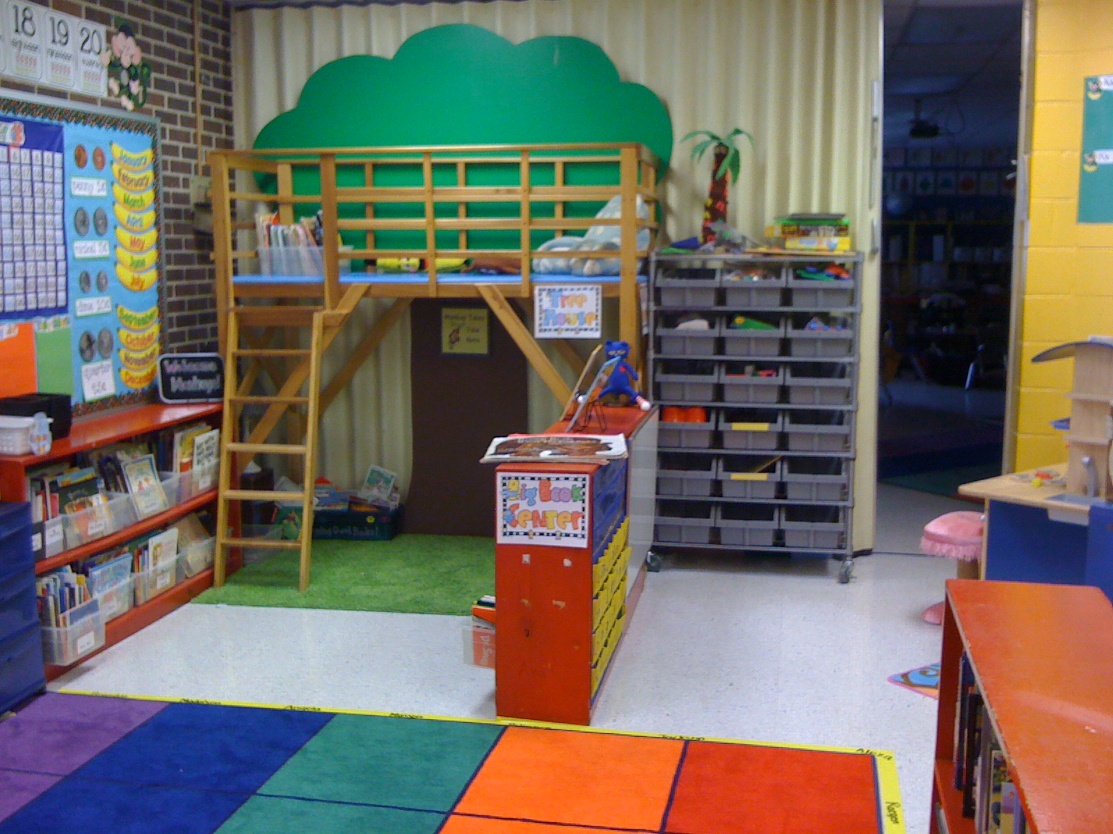 Classroom Center Ideas ~ Kinderkaren august