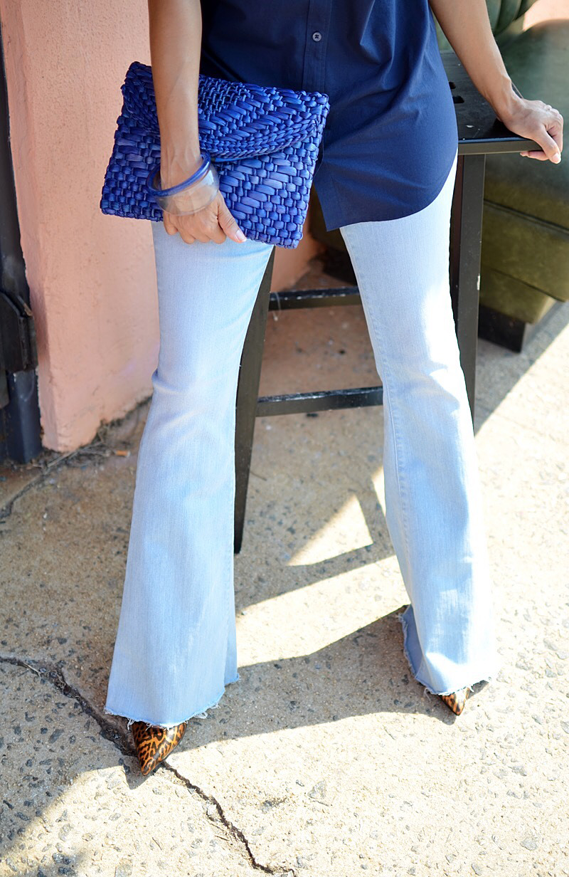 Flare jeans with pumps