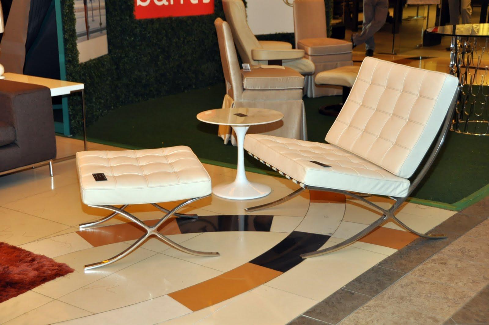 Barcelona Chair ... Sighting