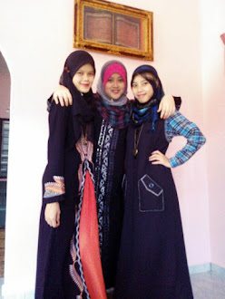 3 GIRLS OF US...