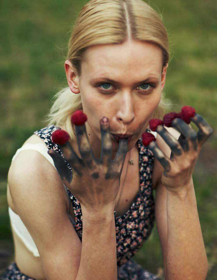 Agnieszka Zulewska Nude Photos 22
