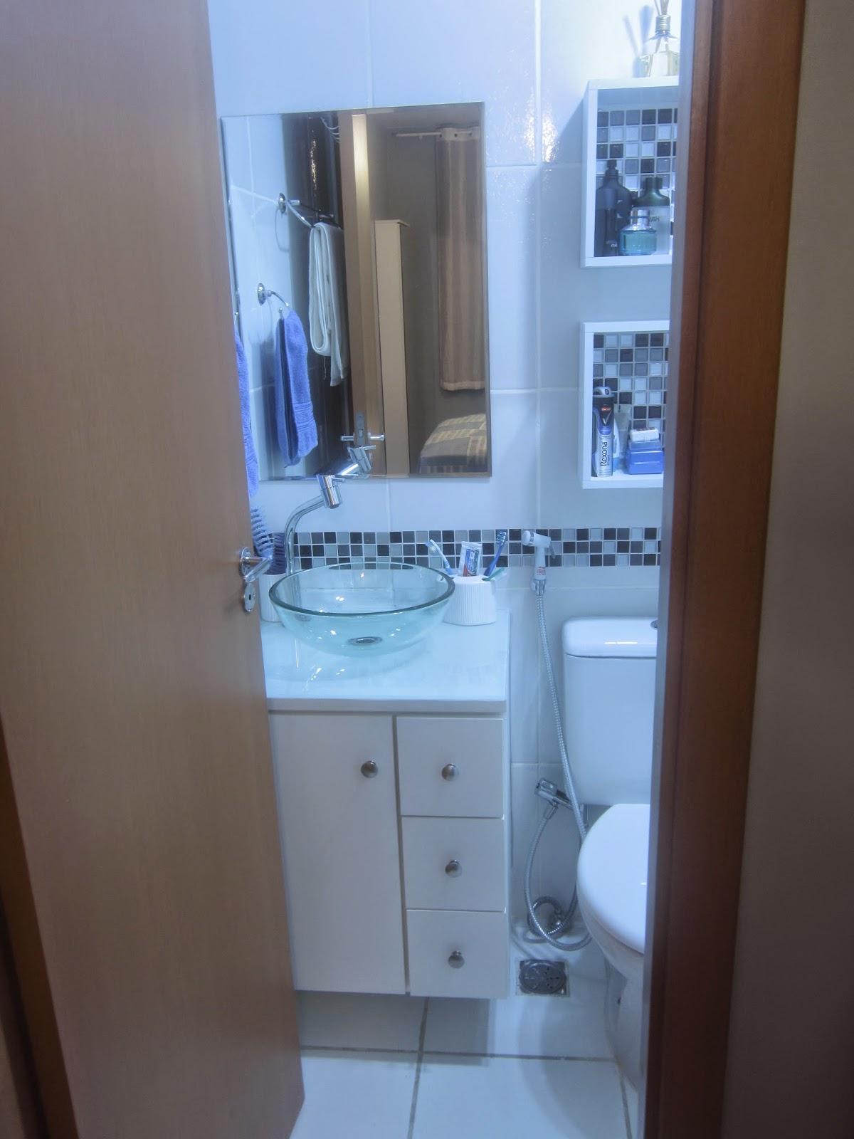 Cafofo Sonhado Decorando banheiros pequenos 2 banheiros, 2m² cada, 2 decora -> Gabinete De Banheiro Planejado Valor
