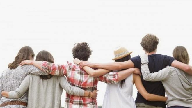 9 دلائل على أن اصدقائك سيئون ويكرهونك  - اصدقاء الصداقة - Travel-With-Friends