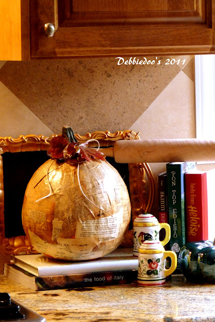 Mod podge pumpkin! {Fall decorating}