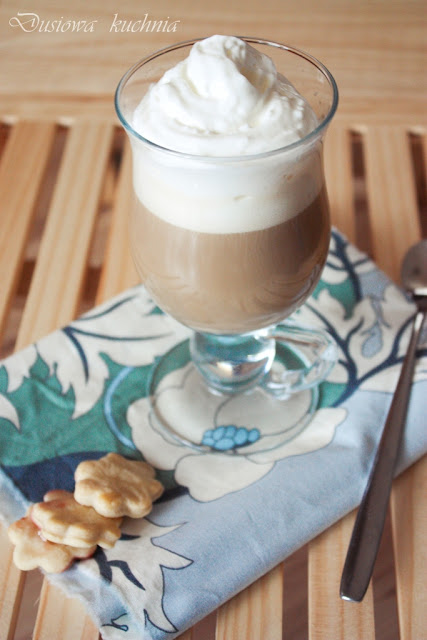 Kawa z likierem Bailey's, kawa z baileys, kawa z likierem, kawa z prądem