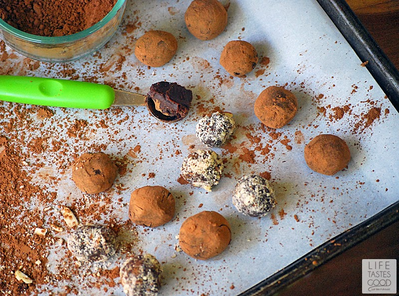 Red Wine Chocolate Truffles | by Life Tastes Good are bite sized pieces of chocolate heaven. These are traditional French Truffles made with a simple chocolate ganache I flavored with red wine and rolled in cocoa powder.