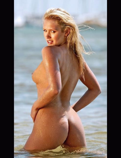 никки уилан фото голая