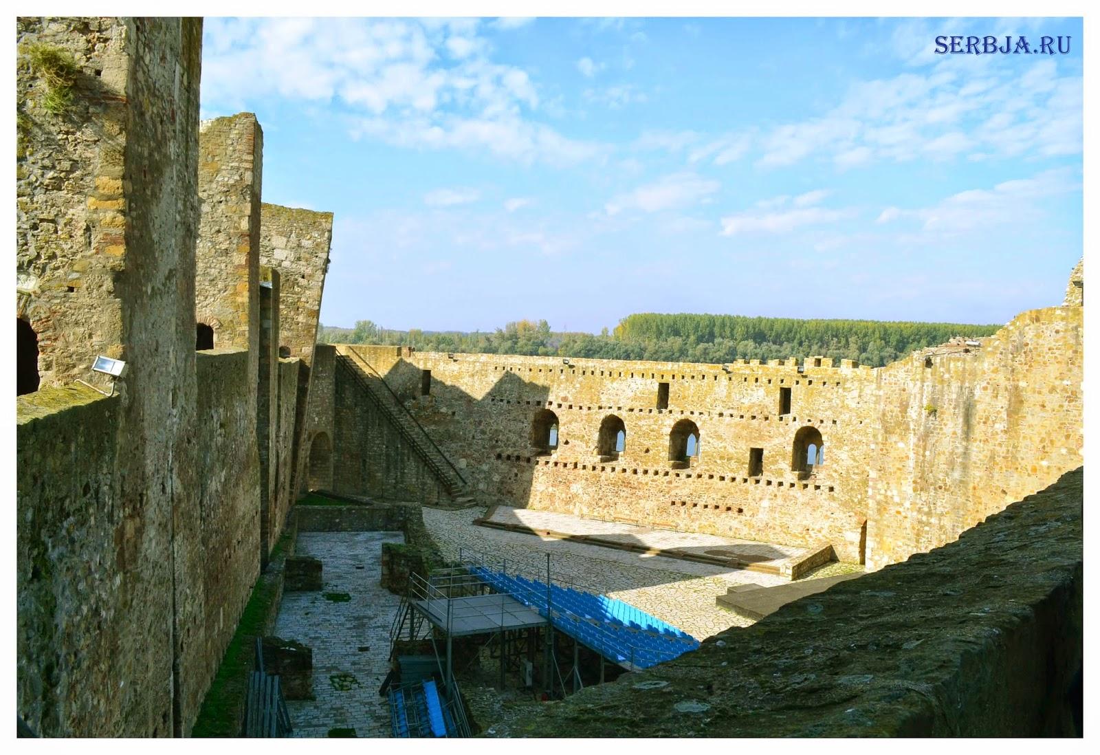 Театр в крепости