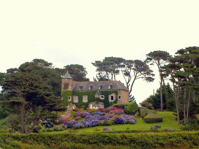 Entre Castel Meur et Plougrescant