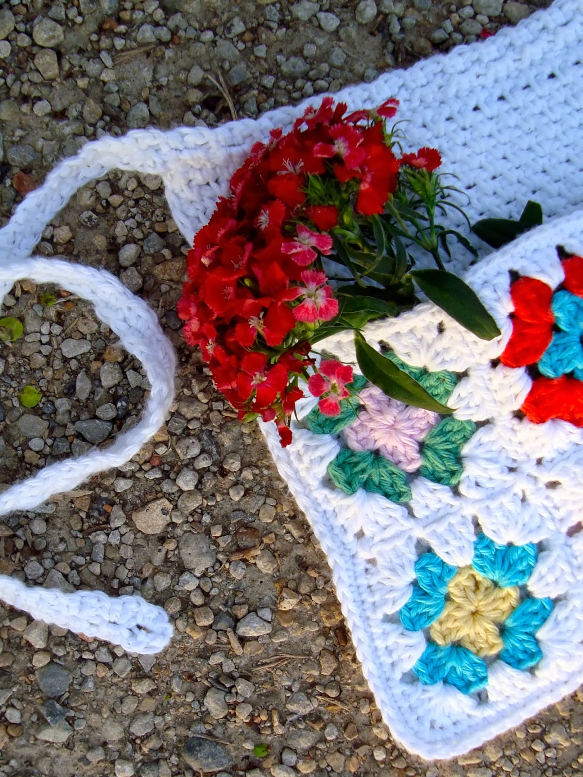 free crochet pattern granny square pocket apron