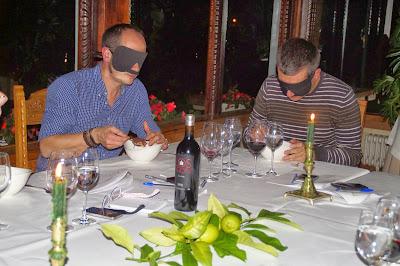 Gure Sukalkintza. Una Gastro Experiencia sorpresa en Andra Mari. Dark dinner.
