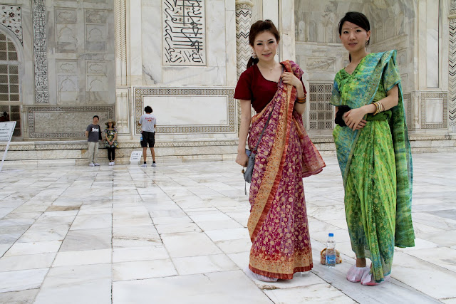 Japanese fancy, Japan meets India, Japanese girls in saris, Taj Mahal sari, Agra