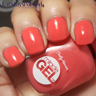 Sally Hansen Miracle Gel - Poolside Paradise - Life's a Peach | Kat Stays Polished